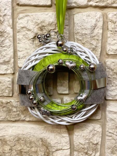 Wandkranz Nr.25 Türkranz weiß 30 cm mit Filz grün silber grau modern Türdeko