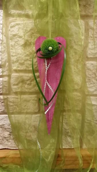 Türkranz Türschmuck Nr.9 Holzherz pink 40 cm mit grüner Bartnelke