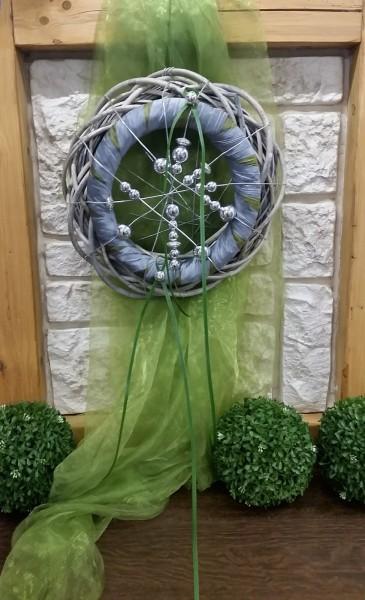 Wandkranz 40 cm mit grün grau silber Türdekoration