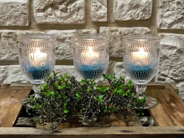 Tischdeko Nr.57 Kerzenleuchter Glas Weinglas mit 8 Std. Teelicht und Kies türkis