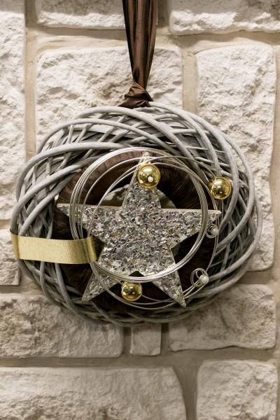 Winterkranz creme braun mit Stern Dekoration Weihnchtskranz