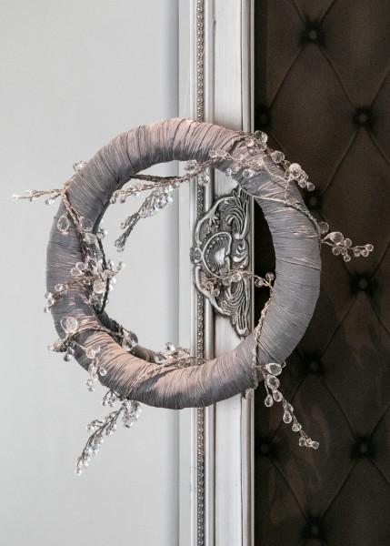 Wandkranz Nr.39 grau mit Chrystalgirlande - ideal auch als Tischdekoration bei Hiko-Dekoshop