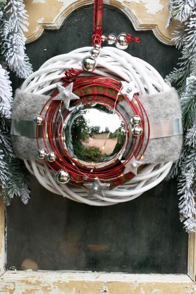 Winterkranz Weihnachtskranz mit LED Lichterkette Türkranz