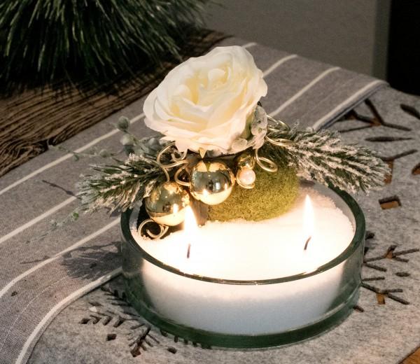 Kerzensand Gesteck Weihnachten Rose mit beschneite Tanne Kerzensand weiß