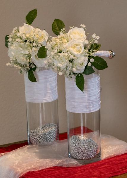 Tischdekoration Hochzeit, Tischdeko, Wedding, Glasvasen mit Brautstrauß