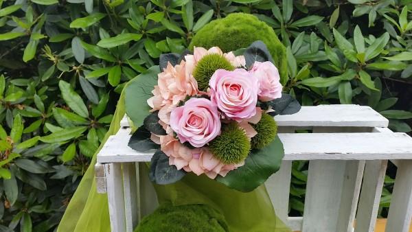 Blumenstrauß Nr.14 Strauss mit rosa Hortensie rosa Rosen und Bartnelken Detail