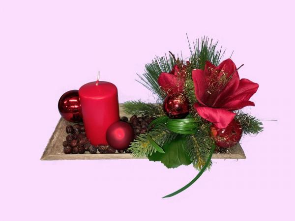 Adventsgesteck Nr.10 Tablett 16 x 30 cm mit roter Kerze und Amarillis Gesteck
