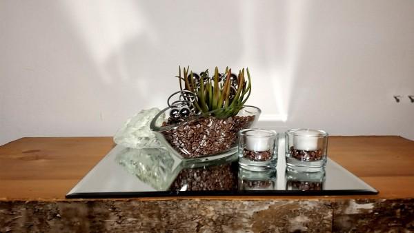 Tischgesteck Tischdekoration Nr. 3 Glasschale mit Sukkulente taupe Kies und Silberdraht