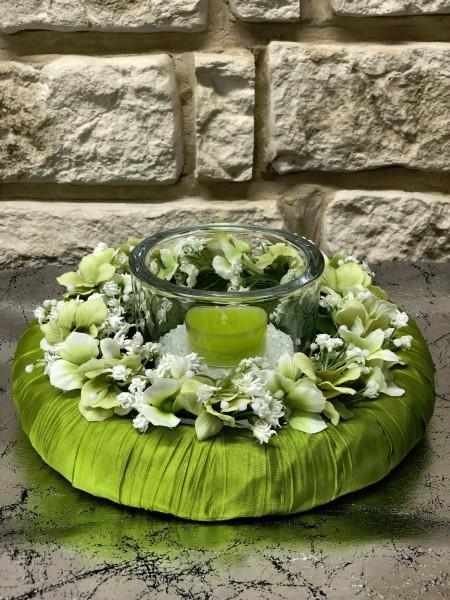 Tischgesteck Nr.41 Tischdeko mit Teelicht und Kranz hellgrün Sommer