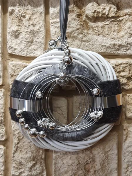 Wandkranz Nr.81 Türkranz weiß 30 cm mit Filz anthrazit silber grau modern Türdeko