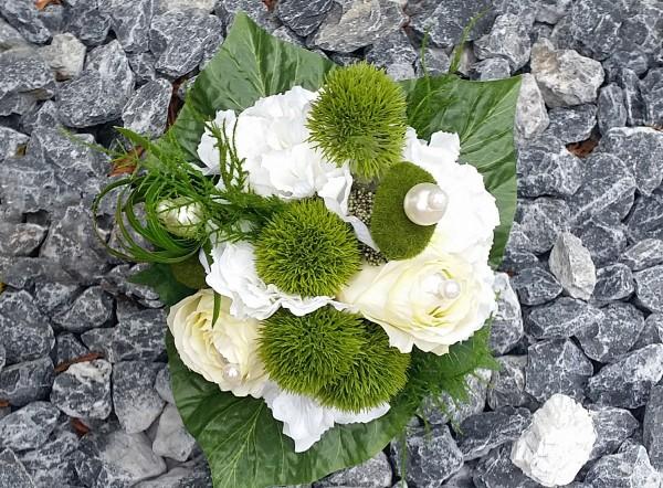 Blumenstrauß Nr.16 Strauss mit weißer Hortensie creme Rosen und Bartnelken