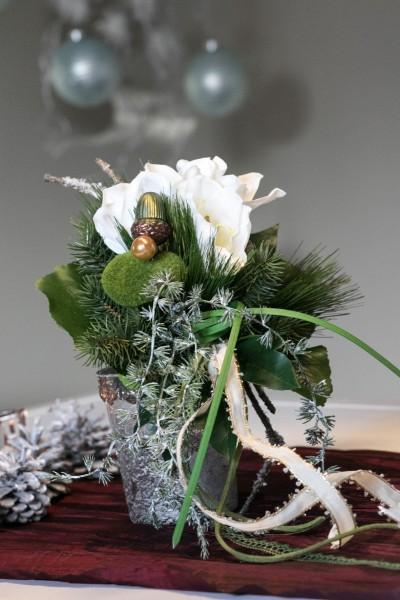 Weihnachtsstrauß Nr.10 bei Hiko-Dekoshop, winterlich schöner Blumenstrauß für die gesamte Weihnachtszeit