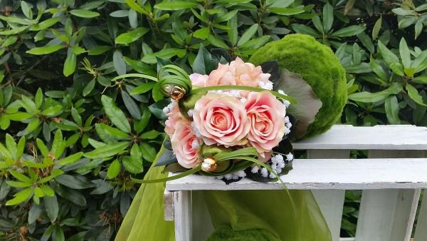 Blumenstrauß Nr.17 Strauss mit Hortensie apricot Rosen und Schleierkraut